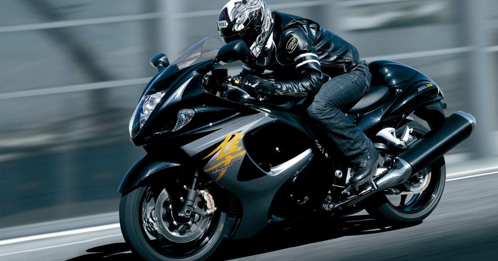 Hayabusa Suzuki  - Page 2 Gsx1300ral4_action_1web